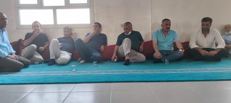 Eyyübiye ilçemiz, Siyasi İşler Başkanı Suphi Kara'nın Taziyesine katılıp, başsağlığı dileklerimizi ilettik.
