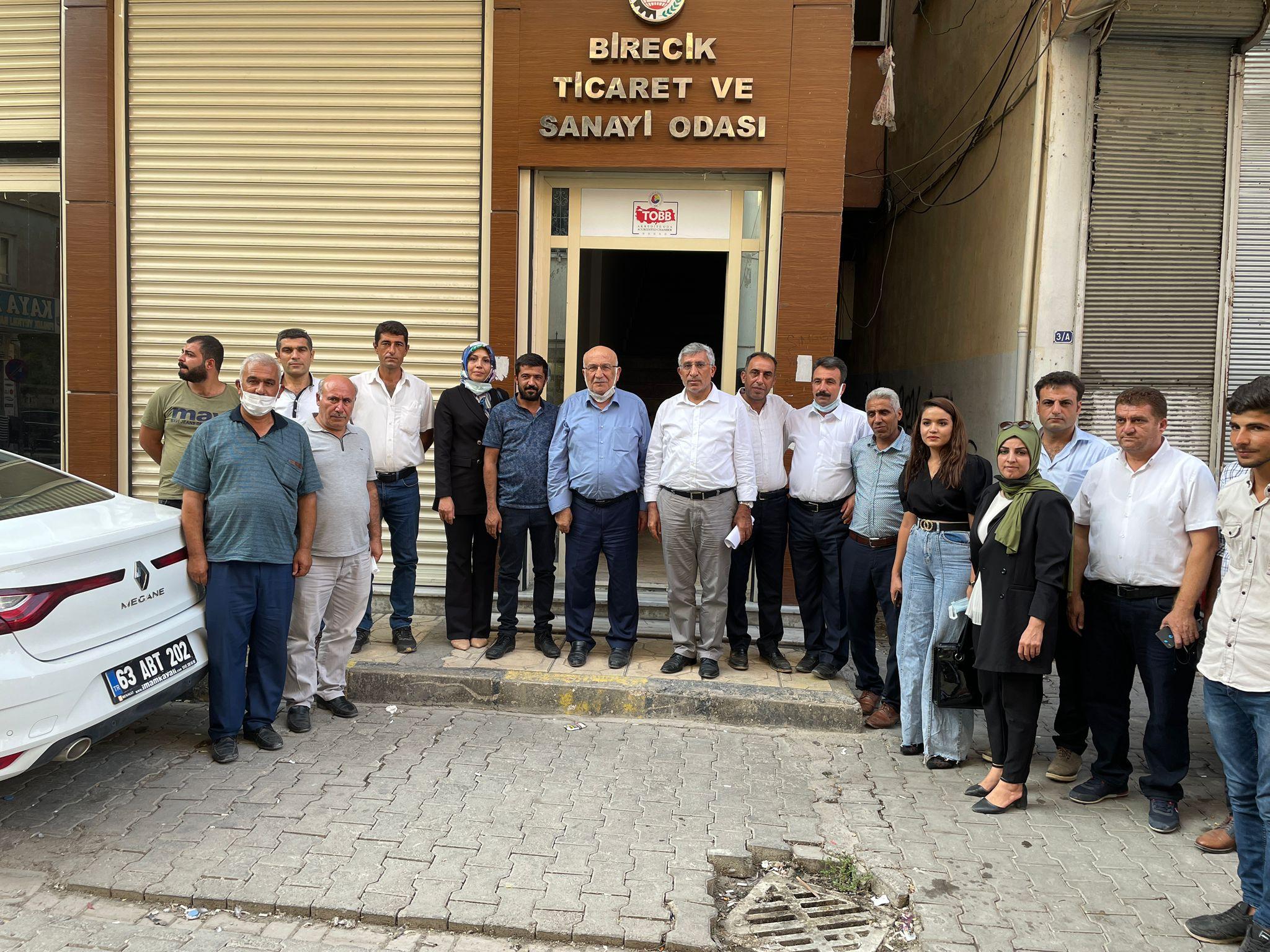 İl Başkanımız Abdullah Yeşil, İl Yönetim Kurulu, İlçe Koord. ve Birecik İlçe Başkanımız, Birecik Ticaret ve Sanayi Odası Başkanlığını ziyaret ettiler.