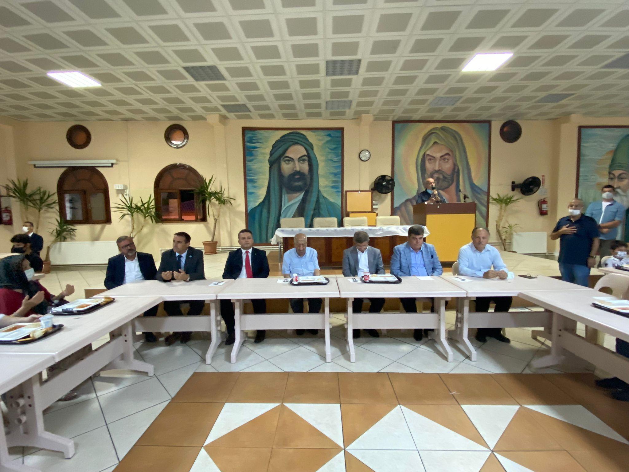 Karacaahmet Sultan Dergahı'nda Muharrem iftarı programı