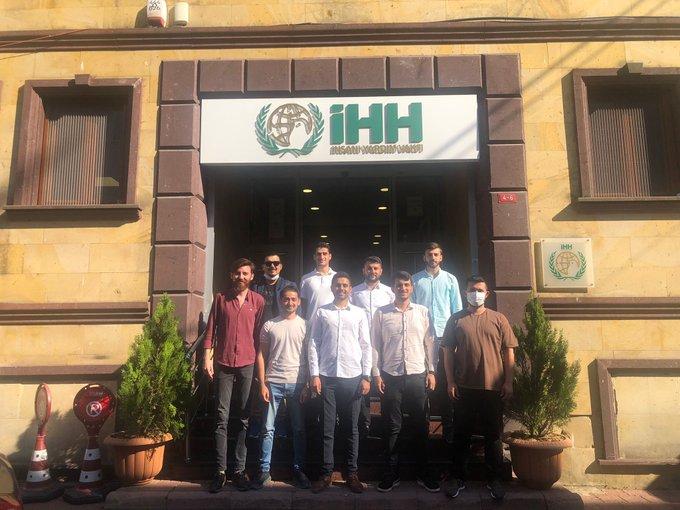 İl Gençlik Kolları Başkanımız Semih Kolsuz ve Yönetim Kurulu Üyelerimiz, Genç İHH İstanbul şubesini ziyaret etti.