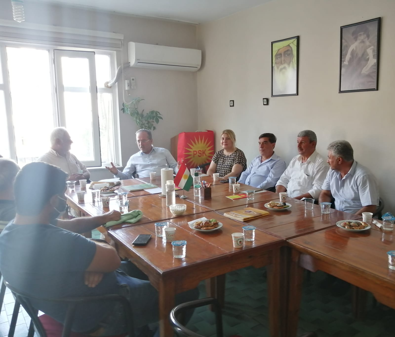 Kürdistan Sosyalist Partisi İl Başkanı Vedat DEDE ve il Yönetim Kurulu Üyelerini ziyaret ettik.