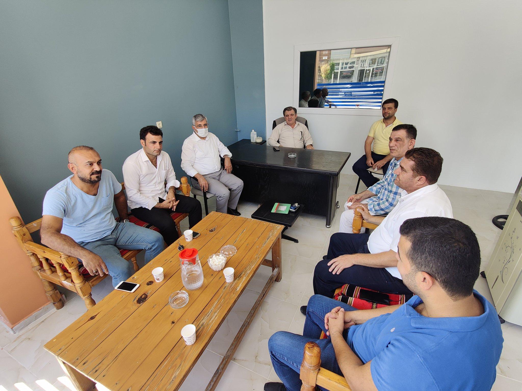 Şanlıurfa Fıstıkçılar Dernek Başkanı Müslüm Durmaz beyi ziyaret ederek Esnafın sorunlarını konuştuk