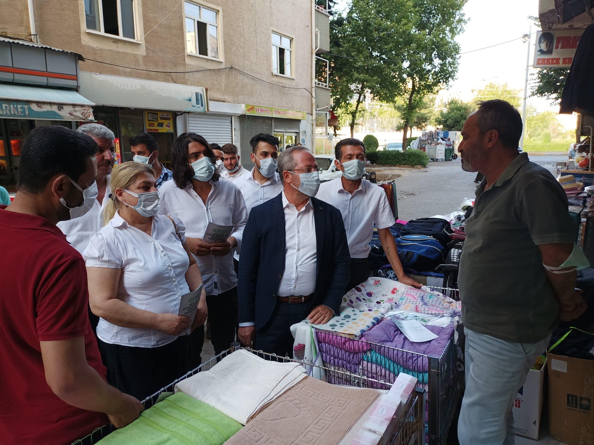 Türkan Şentürk, Kayapınar İlçemizde esnaf ziyaretlerimize devam ettik.